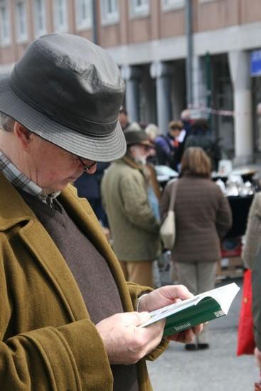 2009-04-05-marche-aux-puces_0028_.jpg