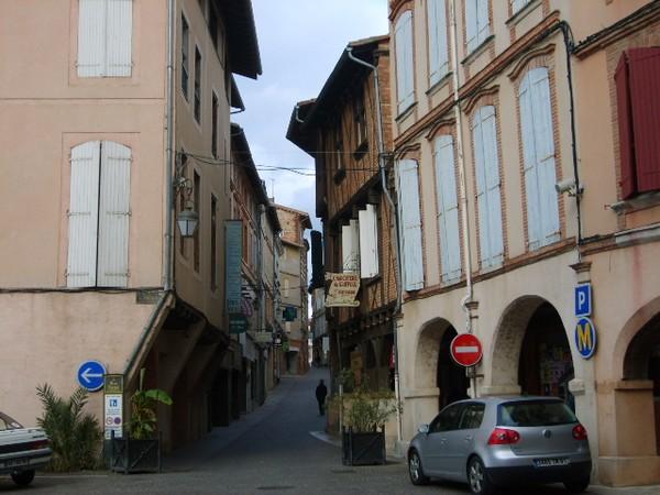 la-rue-st-pierre-ou-portal.JPG