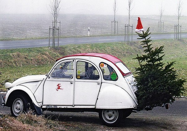 2CV de Noël - photo de Silvia Ptok