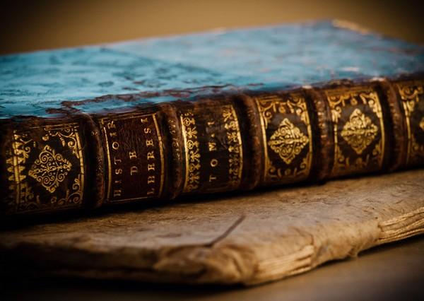 Vieux livre - photo de zeze77