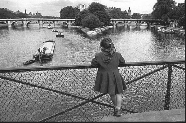 Fillette, Passerelle des Arts