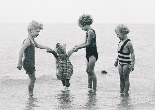 Sur la plage, 1933